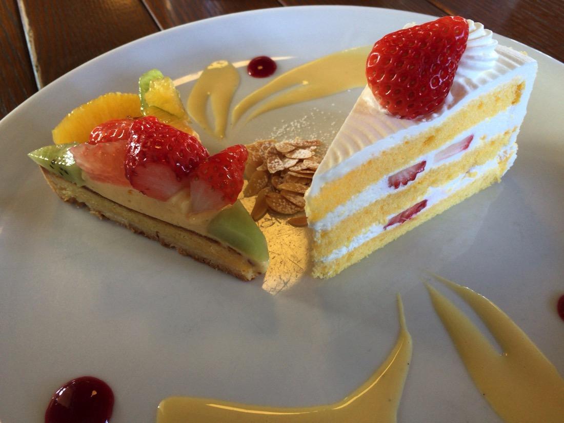 フルーツタルトといちごショートケーキ
